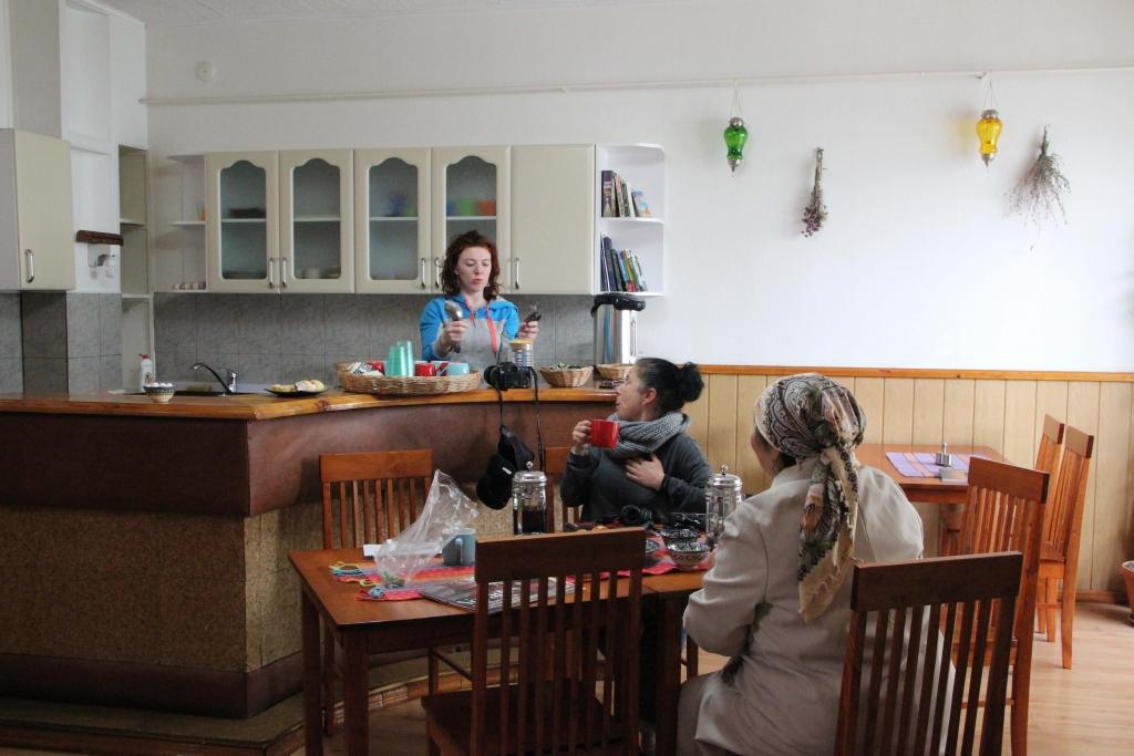 breakfastroom, Southside Guesthouse, Bishkek