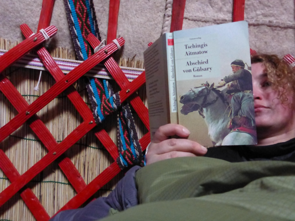 reading Tschingis Aitmatov in a kyrgyz yurt