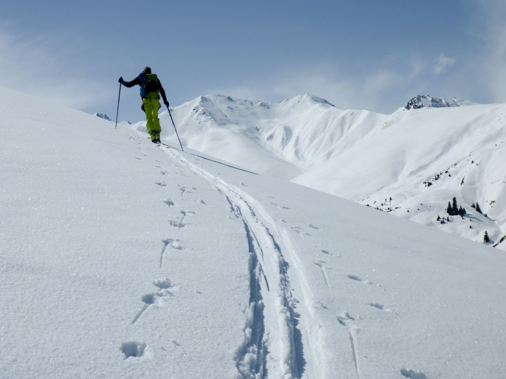 Ski tour from Dzhirgalan
