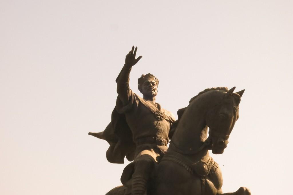 Amir Temur Statue